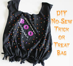halloween trick or treat bags to make diy no sew trick or treat bag casual claire