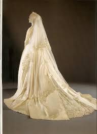 2 wedding dress the royal order of sartorial splendor top 10 best royal wedding
