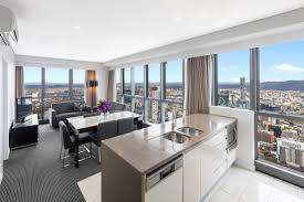 3 bedroom apartment adelaide 3 bedroom altitude suite adelaide street brisbane meriton suites
