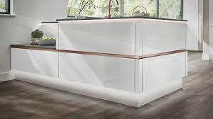 white gloss kitchen cupboards howdens balham handleless modern kitchen