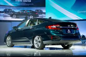 2018 honda clarity plug in hybrid u0027s 47 mile range bests rivals
