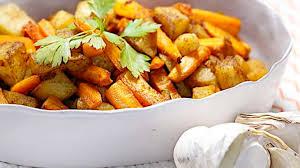 cuisiner des pommes duo de carottes et pommes de terre rôties aux épices un