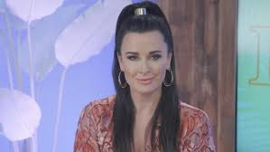 kyle richards needs to cut her hair rhobh star kyle richards home burglarized while vacationing in