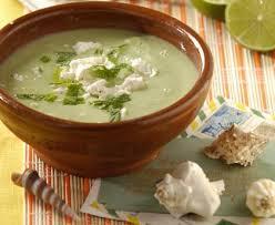 cuisine au blender soupe froide à l avocat au blender recette de soupe froide à l