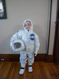 halloween astronaut costume full time frugal diy childs costume 13 astronaut