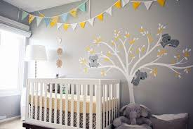 chambre bébé grise tableau comment décorer la chambre de bébé le mag