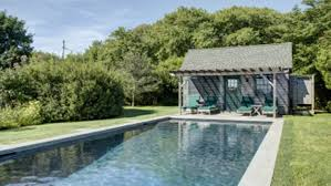 julianne moore u0027s montauk cabin hits the market today com