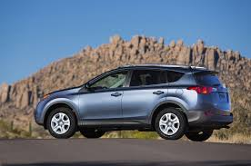 toyota awd 2013 2013 toyota rav4 reviews and rating motor trend