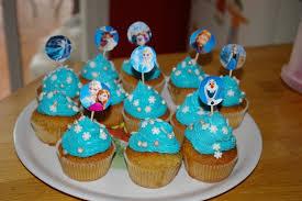 decoration cupcake anniversaire un anniversaire reine des neiges u2013 moineauscrap