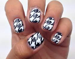 diy houndstooth nail art how to paint a checkered nail beauty
