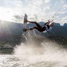 adesso kite tavole corsi di kitesurf a malcesine sul lago di garda wwwind square