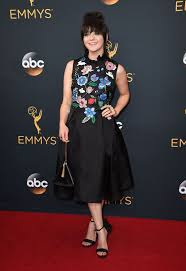 the 30 bag from singapore maisie williams carried to the emmy u0027s