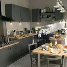 cuisine et bois cuisine grise plan de travail bois les 25 meilleures idaces de la