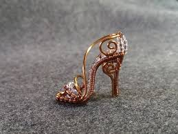 How To Make Jewelry Out Of Wire - how to make cinderella u0027s mini shoe pendant diy wire jewelry