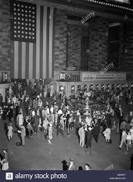 How To Display American Flag On Wall 1940s Crowd Grand Central Station Large American Flag Hanging On