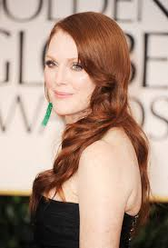 julie ann moore s hair color julianne moore long wavy cut julianne moore looks stylebistro