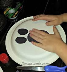 ghost face painting for halloween paper plate ghost craft for kids fun halloween art project