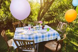Backyard Decor Ideas On A Budget Throw An Inexpensive Outdoor Party