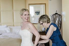 bridal consultants wedding dress shopping don ts from the experts weddingwire