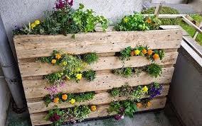 Diy Vertical Pallet Garden - how to make a pallet garden diy mother earth news