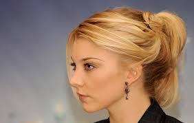 natalie dormer u0027s hair transformation from brunette princess to