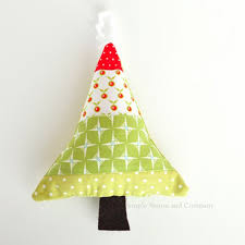 fabric scraps ornament tutorial simple simon and company