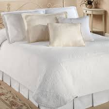 Cotton Quilted Bedspread Bedroom Using Gorgeous Matelasse Coverlet For Cozy Bedroom