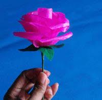 cara membuat bunga dengan kertas hias 3 langkah mudah membuat bunga mawar dari kertas krep kreasi ceria