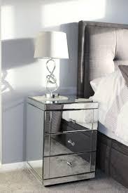 Mirrored Bedside Tables Die Besten 25 Mirrored Bedside Cabinets Ideen Nur Auf Pinterest