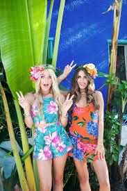 beach themed halloween costumes best 25 hawaiian themed ideas on pinterest hawaiian