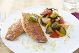 cuisiner rouget recette de filets de rouget et légumes de provence à l huile d olive