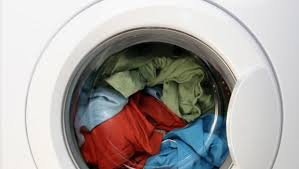how to wash light colored clothes 16 laundry do s and don ts that you should know looksgud in