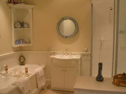Bathroom Ideas For Apartments by Small Apartment Bathroom Decorating Ideas 1000 Ideas About