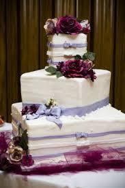 saving money with a great choice of budget wedding cake wedding