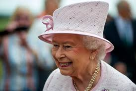 Queen Elizabeth Donald Trump The Queen U0027s Private Income Rose 7 7 In 2015 Thanks To London Holdings