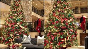 christmas tree pic floyd mayweather shows off outlandish christmas tree boxing news