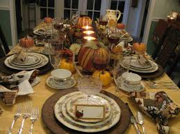 i like the centerpiece table scapes