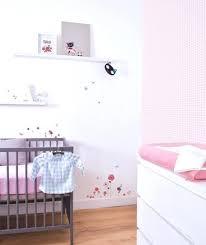 tapisserie chambre bébé papier peint chambre bebe ukbix pour fille
