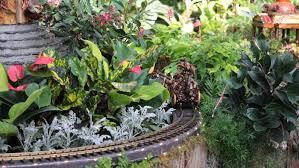 new york botanical garden u0027s holiday train show is back garden