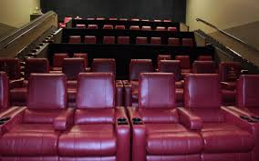 Amc Reclining Seats Amc To Install More Reclining Seats Bars And Big Screens The