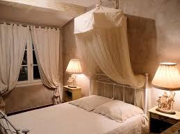 chambre d hote lambesc chambres d hôtes les vieux chênes chambres chambre familiale