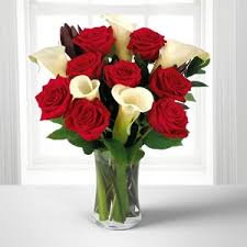 Free Vase Memorable Moments Bouquet With Free Vase 13 Stems In Sanford Nc