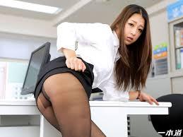 性欲処理課のノーパン女|