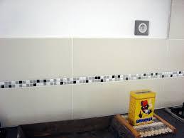 frise carrelage cuisine frise murale carrelage salle de bain maison design bahbe com
