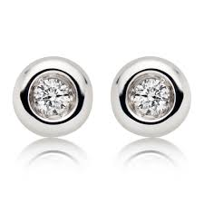 diamond stud earrings uk 9ct white gold diamond stud earrings 0000442 beaverbrooks the
