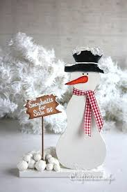 wooden snowman wooden snowman selling snowballs allfreechristmascrafts