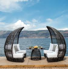 48 spectacular outdoor daybeds for relaxing in the sun