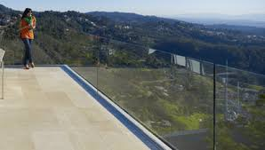 Frameless Glass Handrail Deck Railing Ideas For Your Home Find One For You Part 10
