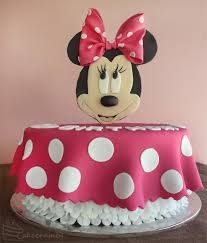 minnie mouse cakes minnie mouse cake cakecrumbs