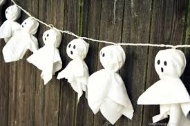 17 fun ghoulish diy outdoor u0026 indoor halloween decorations 2016